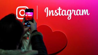 https://thumb.viva.co.id/media/frontend/thumbs3/2019/12/23/5e0055c5bf391-ini-akun-terfavorit-netizen-indonesia-di-instagram-2019_375_211.jpg