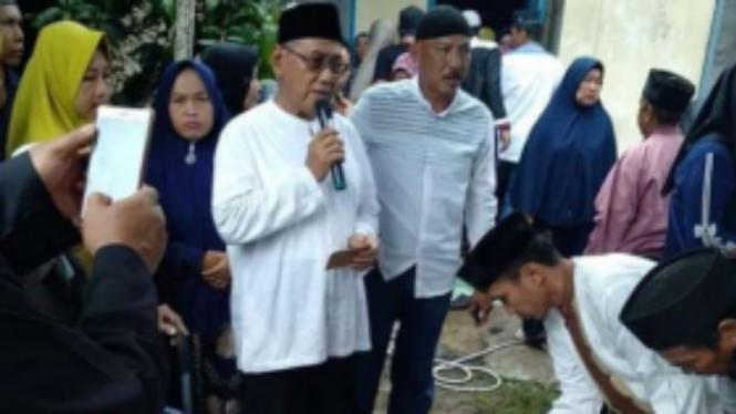 Dwi Fitri menikah di depan jasad ayah yang tewas karena insiden Bus Sriwijaya