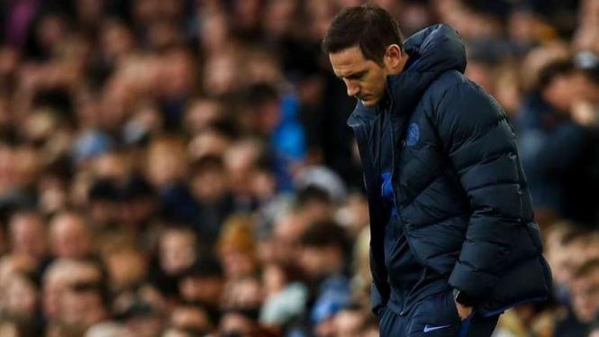 Ekspresi kecewa manajer Chelsea, Frank Lampard