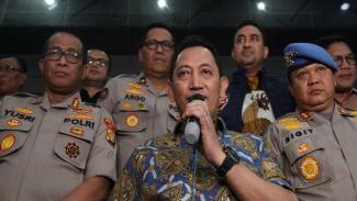 Kabareskrim Polri Komjen Pol Listyo Sigit Prabowo (tengah) .