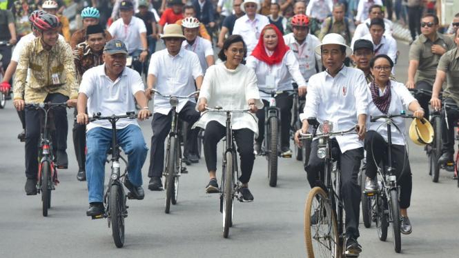 Presiden Joko widodo dan menterinya di Semarang