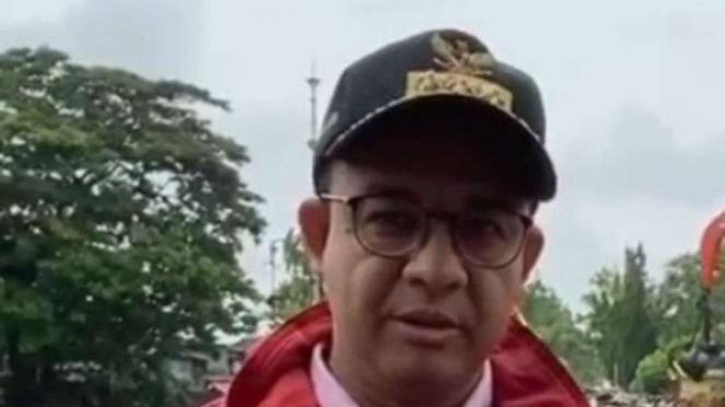 Gubernur DKI Jakarta, Anies Baswedan di pintu air Manggarai