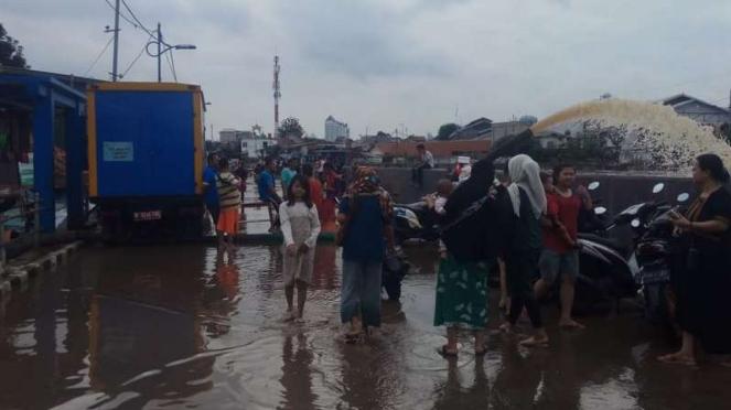 Delapan pompa air diaktifkan untuk atasi banjir Kampung Pulo