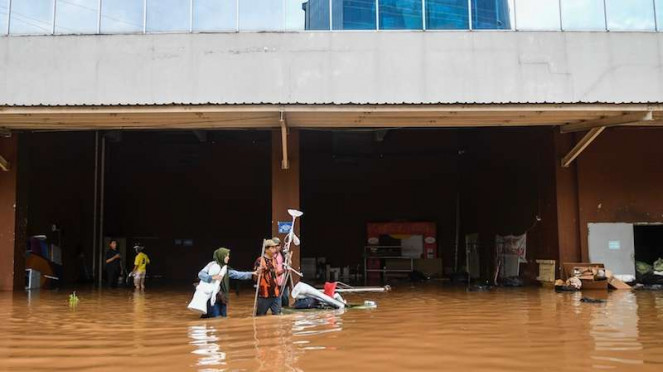 Banjir di Mal Cipinang Indah, Jakarta Timur, Rabu (1/1/2020)