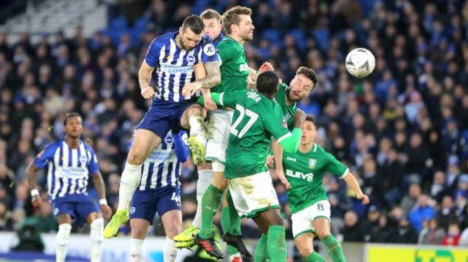 Duel Brighton & Hove Albion vs Sheffield Wednesday.