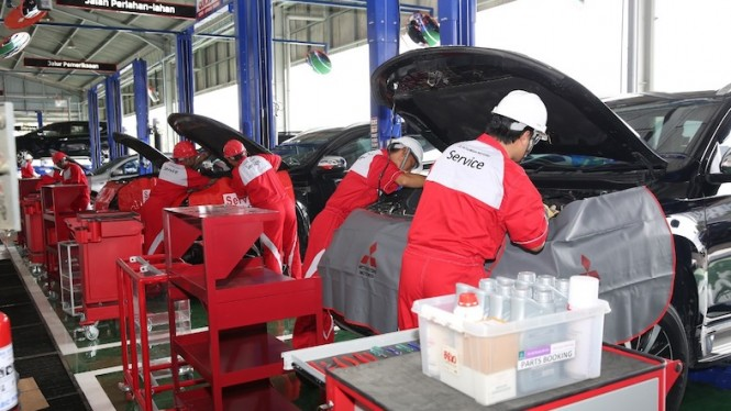 Layanan 24 Hours Emergency Service Mitsubishi.