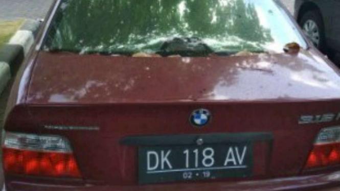 Mobil BMW terparkir tiga tahun di Bandara Ngurah Rai, Bali.