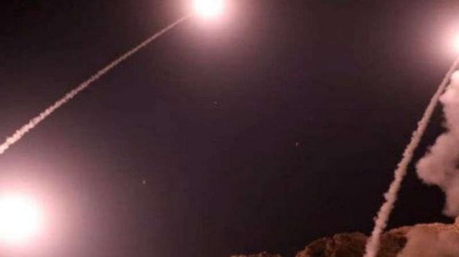 Rudal Iran serang pangkalan militer Amerika di Irak