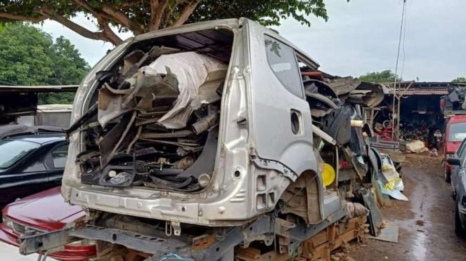 Loak mobil bekas, bisa terima mobil yang pernah terendam banjir