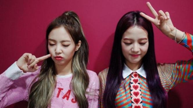 Jennie dan Jisoo Blackpink lahir di Bulan Januari.