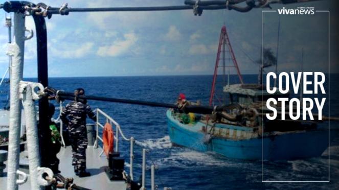 KRI Silas Papare-386 saat menangkap kapal ikan asing di Natuna