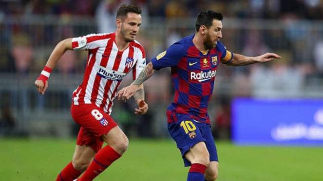 Megabintang Barcelona, Lionel Messi (kanan) dalam laga kontra Atletico Madrid