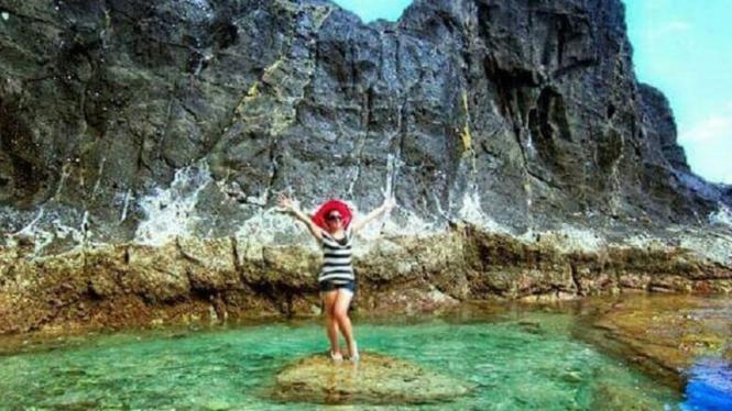 Pantai Nambung Di Lombok Barat