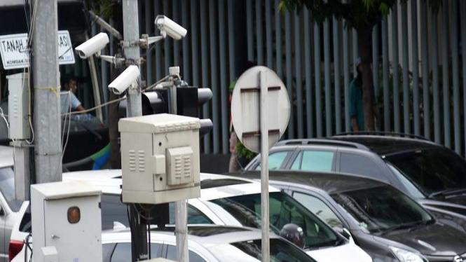 Kamera CCTV / E-TLE terpasang di kawasan Thamrin, Jakarta, Sabtu (11/1/2020)