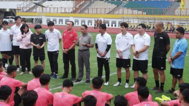 Menpora tinjau langsung Shin Tae-yong latih perdana Timnas Indonesia U-19