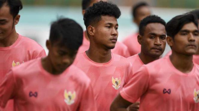Timnas Indonesia U-19 menggunakan apparel Thailand, Warrix.