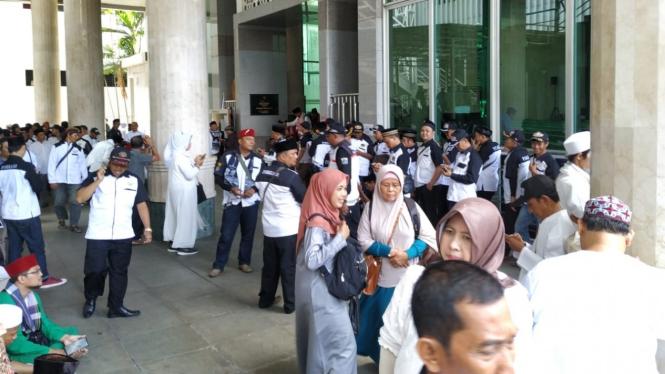 Massa di Balaikota DKI Jakarta