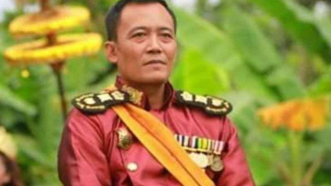 Toto Santoso, pria yang mengklaim sebagai Raja Keraton Agung Sejagat.