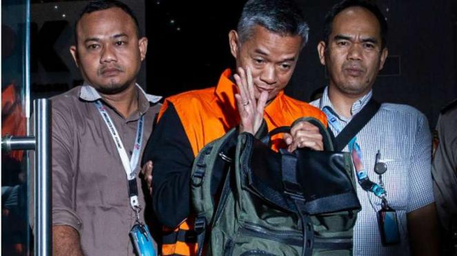 Mantan Komisioner KPU Wahyu Setiawan ditahan KPK.