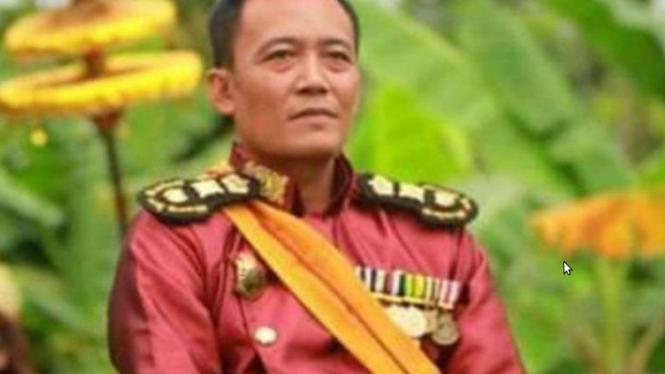 Toto Santoso, pria yang mengklaim sebagai Raja Keraton Agung Sejagat