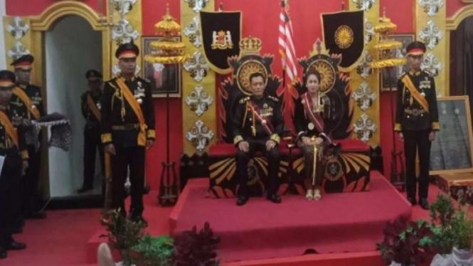 Raja Keraton Agung Sejagat, Toto Susanto dan ratunya
