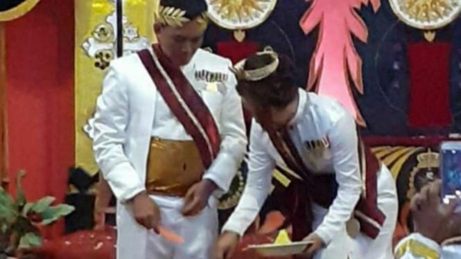 Raja dan Ratu Kerajaan Agung Sejagat di Purworejo, Jawa Tengah