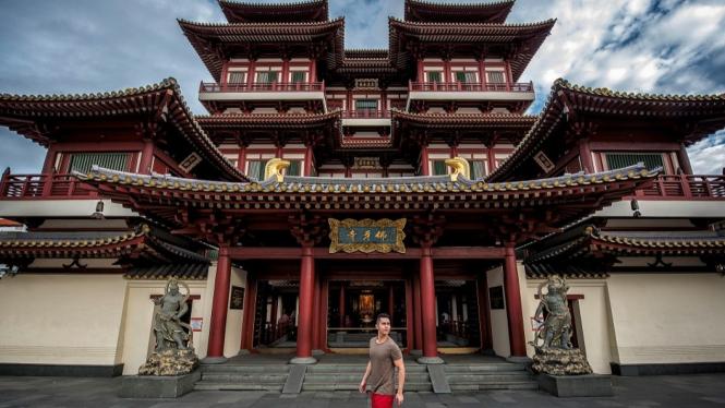 Wisata ke Buddha Tooth Relic Temple Singapore
