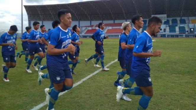Persib Bandung menjalani latihan.
