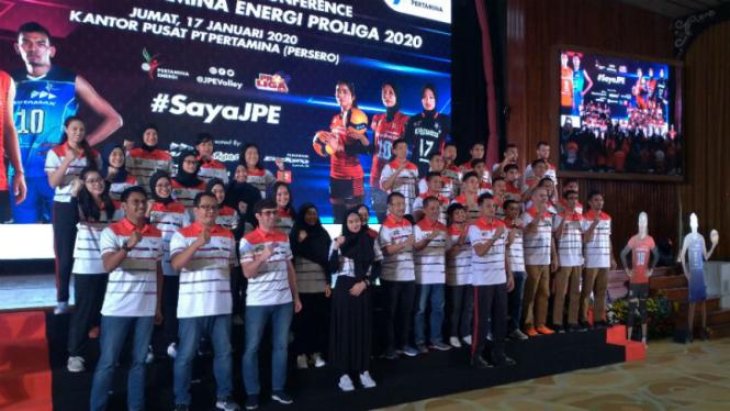 Tim putra dan putri Jakarta Pertamina Energi di Proliga 2020