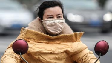 https://thumb.viva.co.id/media/frontend/thumbs3/2020/01/18/5e22c84c59800-coronavirus-virus-misterius-dari-china-telah-menginfeksi-ratusan-orang-kata-ilmuwan_375_211.jpg