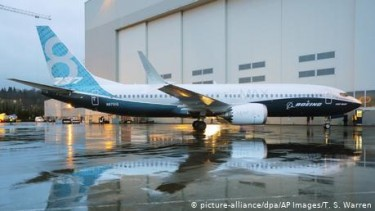 https://thumb.viva.co.id/media/frontend/thumbs3/2020/01/19/5e2386b107674-boeing-temukan-masalah-software-baru-pada-pesawat-737-max_375_211.jpg