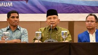 Anggota DPR dari PAN dapil NTT, Ahmad Yohan, bersama Amien Rais.