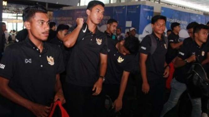 Timnas U-19 tinggalkan tanah air untuk berlatih ke Thailand.