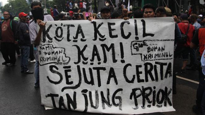 Warga Tanjung Priok Demo di Kemenkumham Tuntut Yasonna Minta Maaf