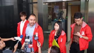 Anggota tim advokasi PSI Patriot Muslim di Gedung KPK