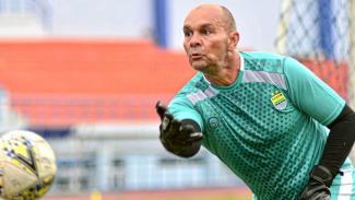 Pelatih penjaga gawang Persib Bandung, Luiz Fernando Silva Passos