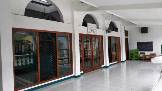 Suasana Masjid di lokasi kejadian
