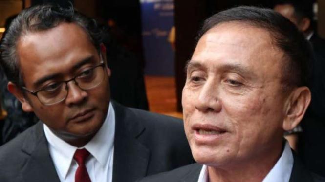 Ketua Umum PSSI, Mochamad Iriawan (Kanan).