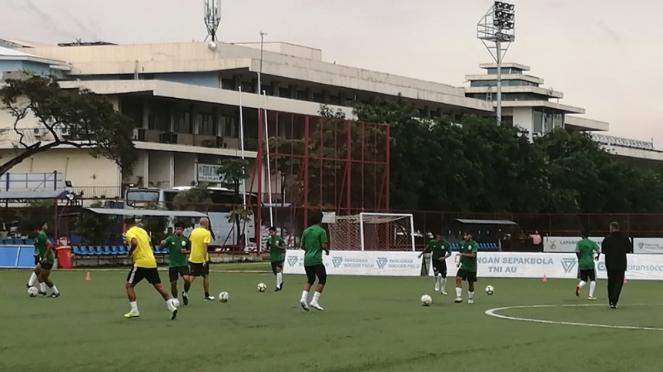 Latihan PSS Sleman di Lapangan Aldiron, Pancoran, Jakarta Selatan