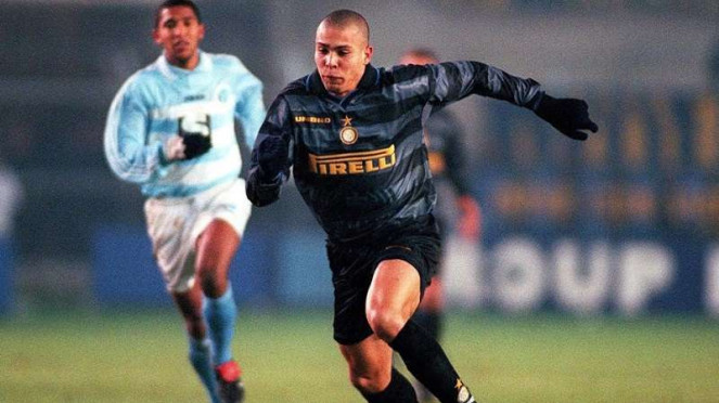 Ronaldo Luis Nazario de Lima saat membela Inter Milan