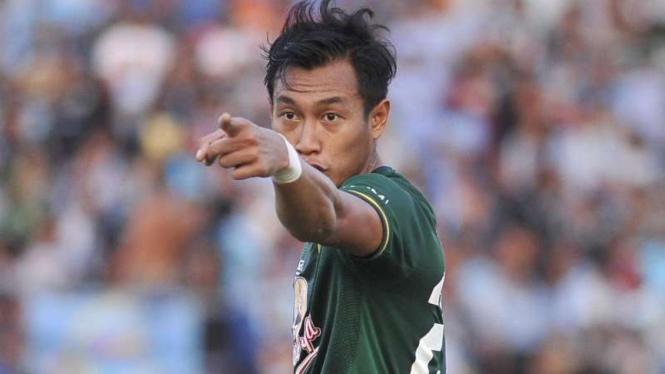 Bek Persebaya Surabaya, Hansamu Yama.