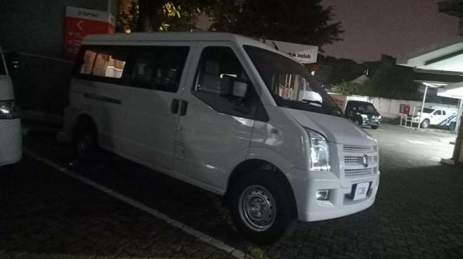 DFSK siap luncurkan mobil baru pesaing Daihatsu Gran Max di Indonesia