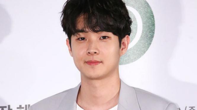 Choi Woo Shik.