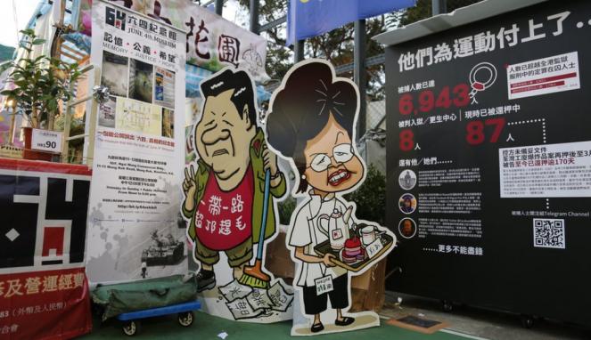 https://thumb.viva.co.id/media/frontend/thumbs3/2020/01/26/5e2cf3cf7a1a9-imlek-perayaan-tahun-baru-di-hong-kong-yang-terbelah-pro-dan-anti-pemerintah-china_663_382.jpg
