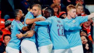 Para pemain Manchester City merayakan gol