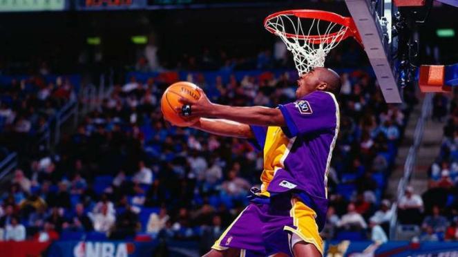 Mendiang Kobe Bryant saat masih bermain bersama Los Angeles Lakers