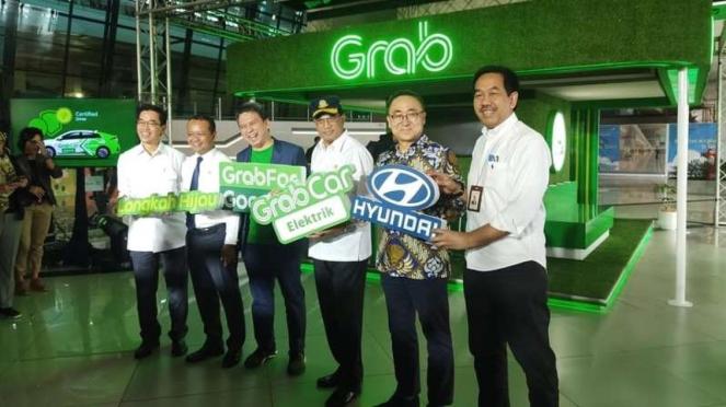 Peluncuran GrabCar Elektrik di Bandara International Sokerno Hatta