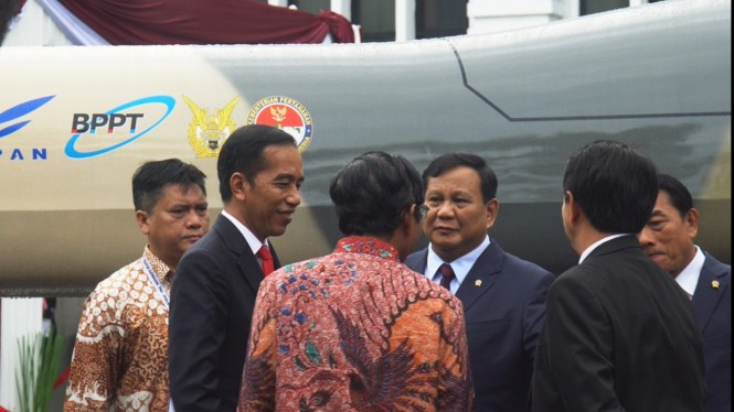 Presiden Jokowi bersama Menhan Prabowo Subianto.