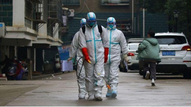 Corona, virus yang menjadi perbincangan hangat dunia sejak mewabah di Wuhan, China pada Desember 2019.