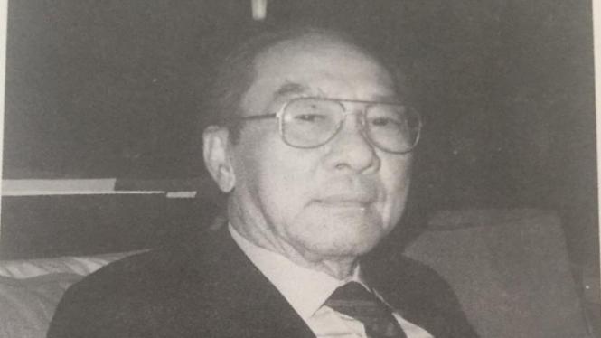 H. Achmad Bakrie, pengusaha ternama pendiri Bakrie Group.